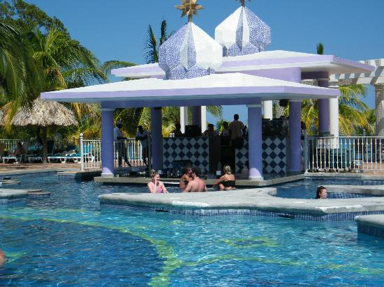 ClubHotel Riu Ocho Rios: Pool Bar