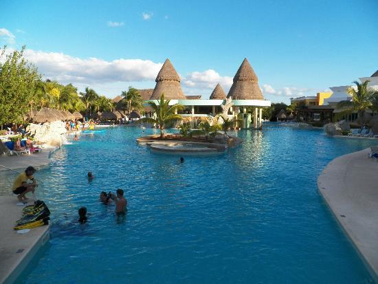 Iberostar Paraiso Lindo: Large pool