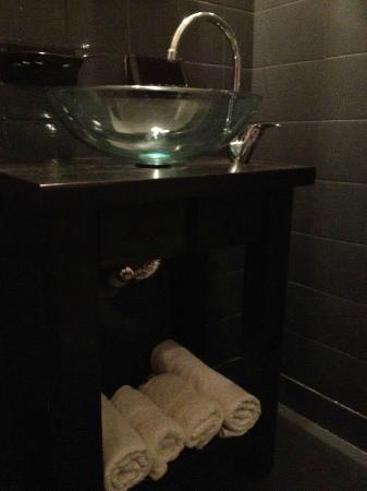 Alma Viva Hotel: baño