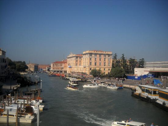Hotel Antiche Figure: Grand canal view from room to the left
