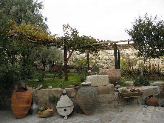 Kelebek Special Cave Hotel: hotel garden
