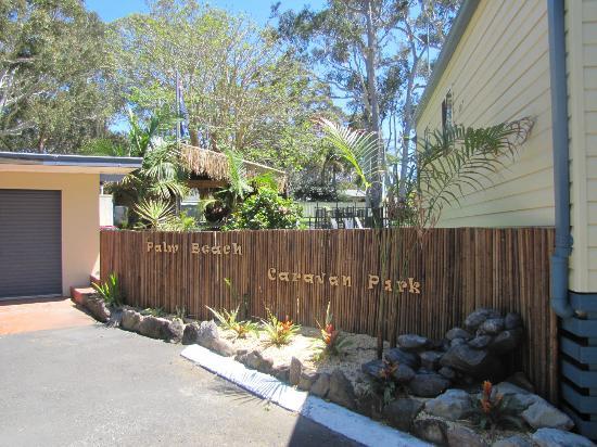 Palm Beach Caravan park : Park Entrance