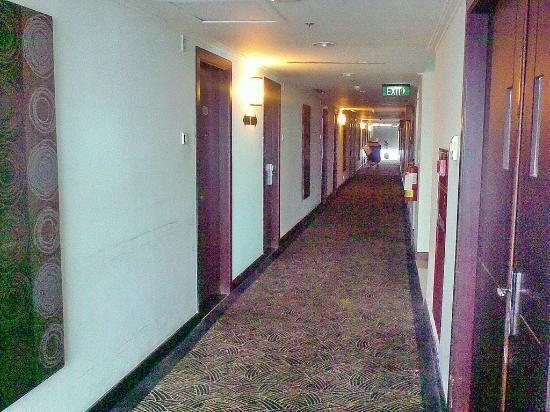 Hotel Menara Bahtera: corridor