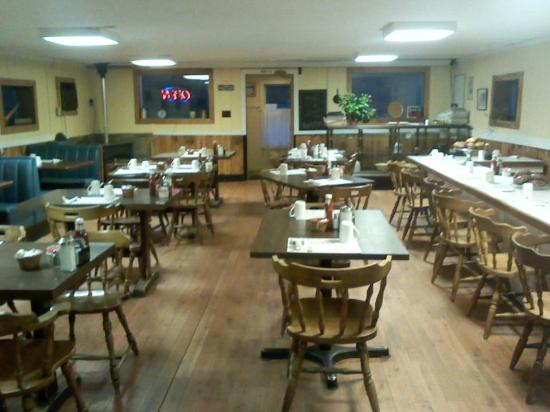 Miss Wiscasset Diner: Dining Room