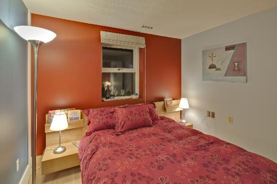 House On Dunbar B&B: UBC Room