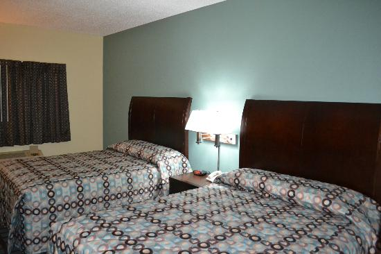 Countryside Inn & Suites : Double Queen