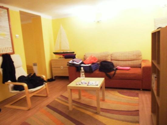 Bell Hostel & Apartments : Tiny apartment