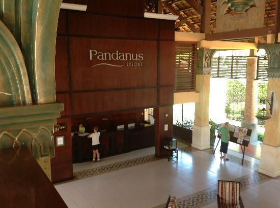 Pandanus Resort: Foyer