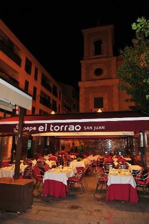 Pepe El Torrao San Juan: Nuestra terraza en la murcianísima Plaza de San Juan