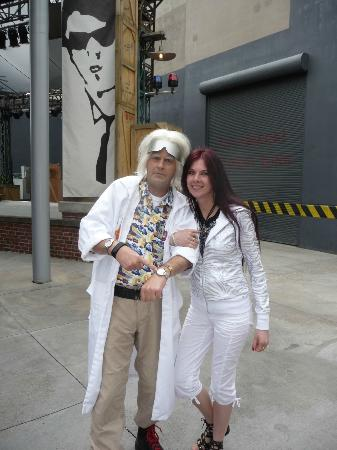 Universal Studios a Hollywood: i  and Dr.Emmett Brown ,Back to the future my favorite movie!!!