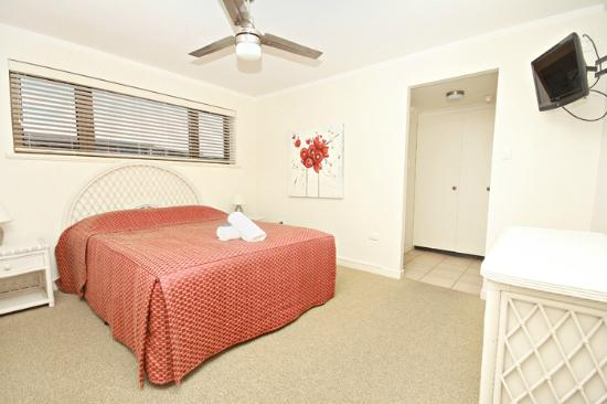 Windward Apartments: Bedroom with Ensuite