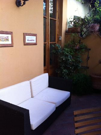 B&B Tourist House Ghiberti: patio area