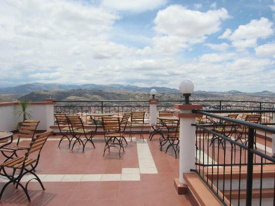 Hotel Casa Kolping Sucre: Magnifique terrasse avec vue sur la ville de Sucre