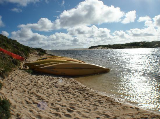 Llewellin's Guest House: Canoes available at nearby 'Rivermouth', where Margaret River meets the Indian Ocean