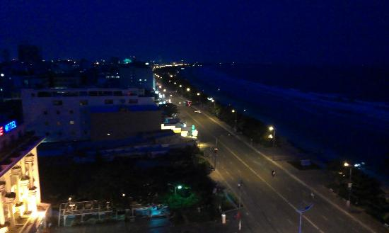 Ocean Star Hotel: Night view from window