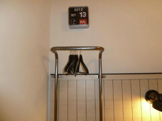"Pod 39 Hotel: Hangers/""Closet"""