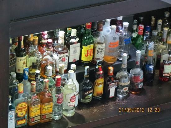 Anantara Mui Ne Resort: inside the bar