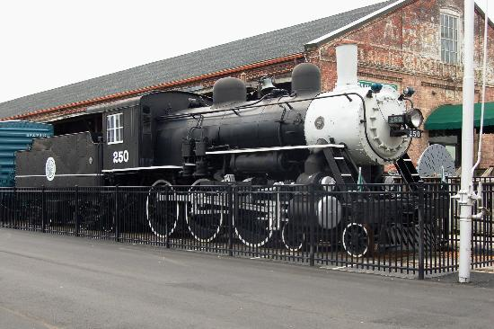 Wilmington Railroad Museum: ACL Steam Locomotive static display