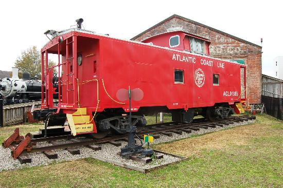 Wilmington Railroad Museum: ACL caboose static display