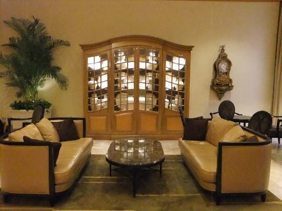 The Sherwood Taipei : lobby seating area