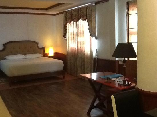 Dulcinea Hotel and Suites: bed