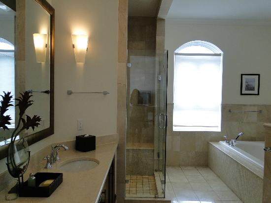 Seven Stars Resort: Bathroom