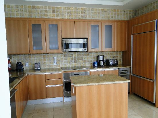 Seven Stars Resort: Kitchen Area