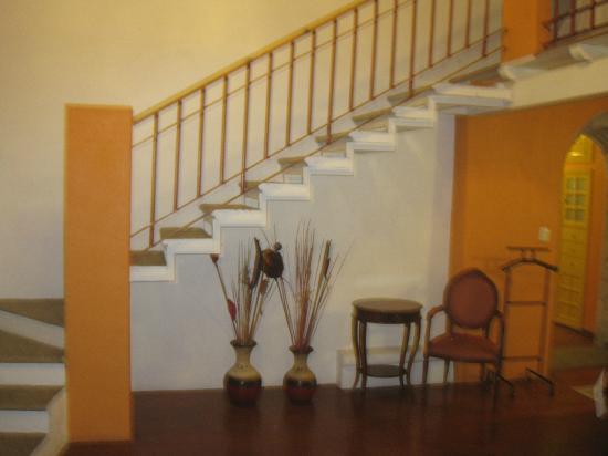 Hotel La Casona de Don Lucas: escaleras hacia la 2o piso