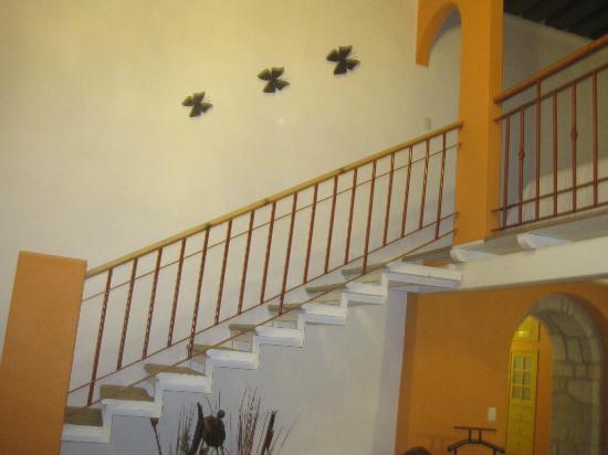 Hotel La Casona de Don Lucas: escaleras hacia el segundo piso