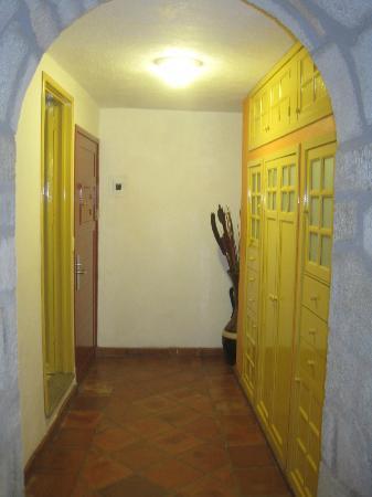 Hotel La Casona de Don Lucas: closets