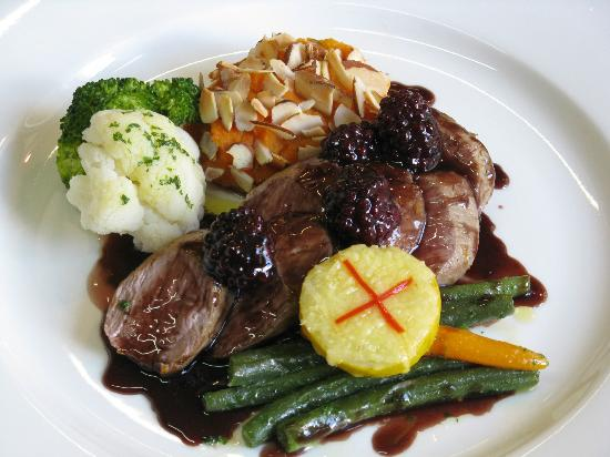 Waipoua Lodge: Lamb with blackberry, orange & red wine jus