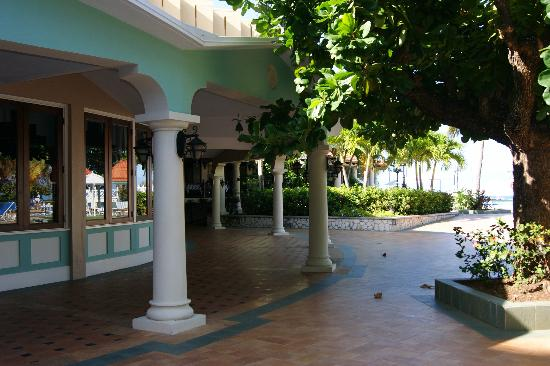 "Jewel Dunn's River Beach Resort & Spa, Ocho Rios,Curio Collection by Hilton: walkway outside the ""Bling"", on the way to the Coral Cafe"
