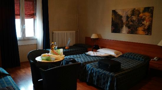 Albergo Centrale: warm room