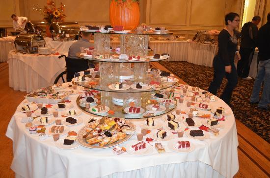 أميريكان هوتل: Dessert table 