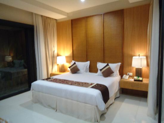 The Jineng Villas: bed