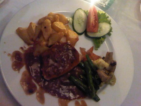 The Jineng Villas: romantic dinner - chicken steak