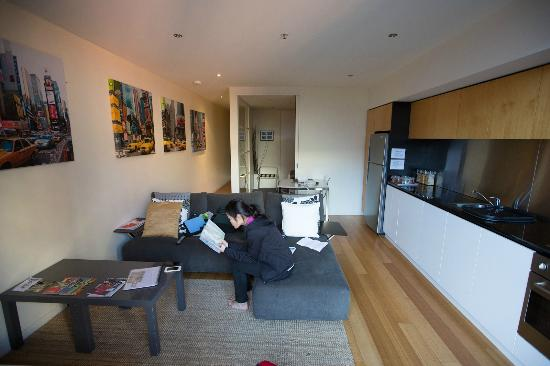About Melbourne Apartments : living area