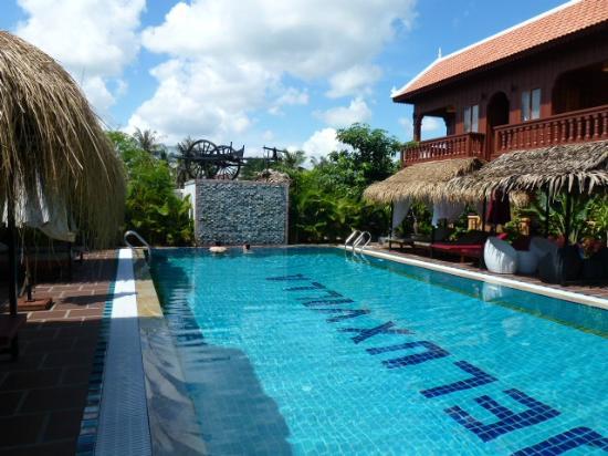 ديلوكس فيلا: swimming pool 