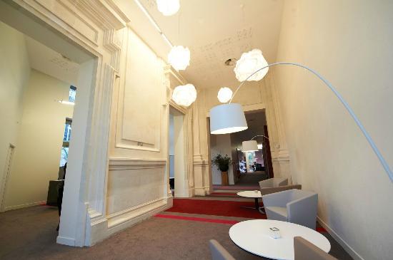 Mercure Cholet Centre Hotel : Réception