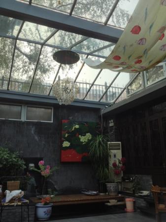 Kellys Courtyard: courtyard.