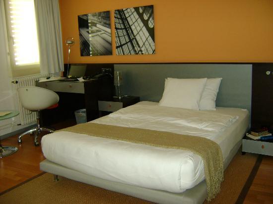 Design Hotel F6: Room