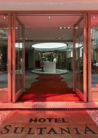 Hotel Sultania: Entrance of the Hotel
