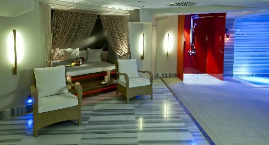 Hotel Sultania: Pool area