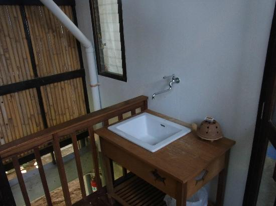 Islanda Eco Village Resort: bathroom