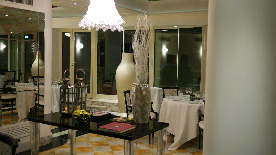 Hotel Bernini Bristol: roof top dining place