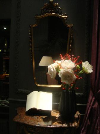 Hotel de Orangerie: flowers