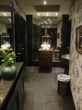Hotel de Orangerie: toilets