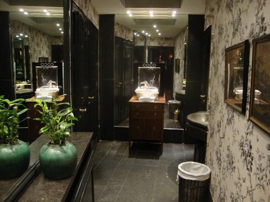 Hotel de Orangerie: toilet