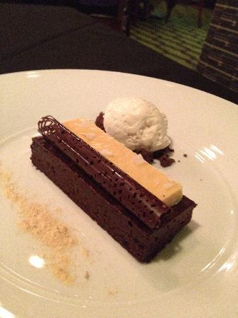 Gastronomy: Flourless Chocolate Cake