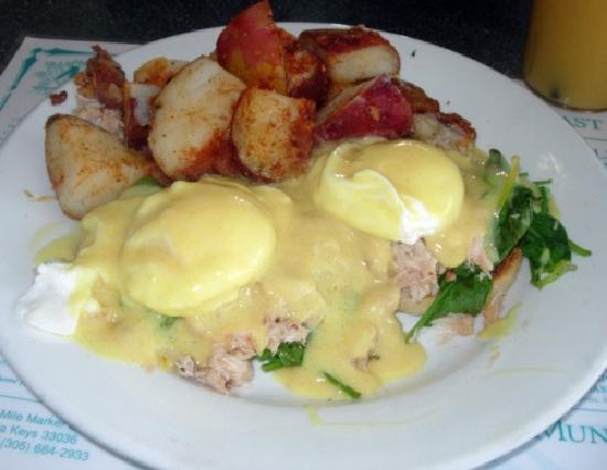 Mangrove Mike's Cafe: Crab Benedict